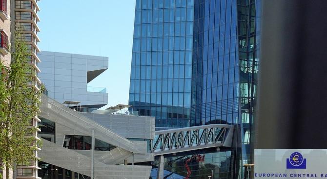 ЕЦБ може да понижи лихвите до края на септември