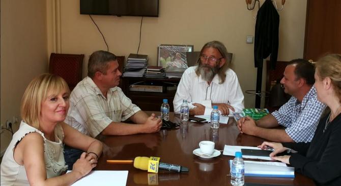 Манолова: Безобразията по българското Черноморие са най-видими и последователно извършвани