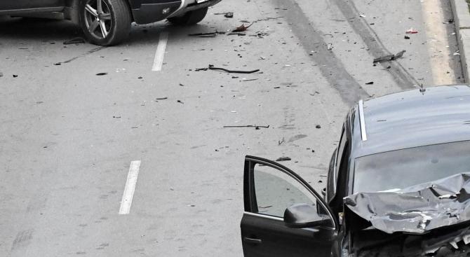 """Верижна катастрофа на магистрала """"Хемус"""", има ранени"""