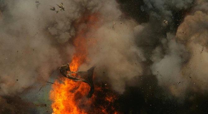 Един загинал и десетки ранени при взривове в склад за боеприпаси в Казахстан, евакуиран е цял град