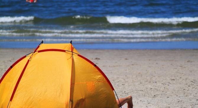 Царево започна да налага солени глоби за палатки и каравани на плажа