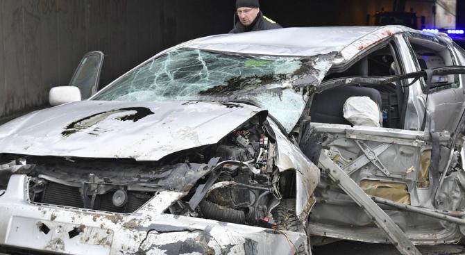 Тежка катастрофа край Пловдив: 20-годишен младеж е загинал