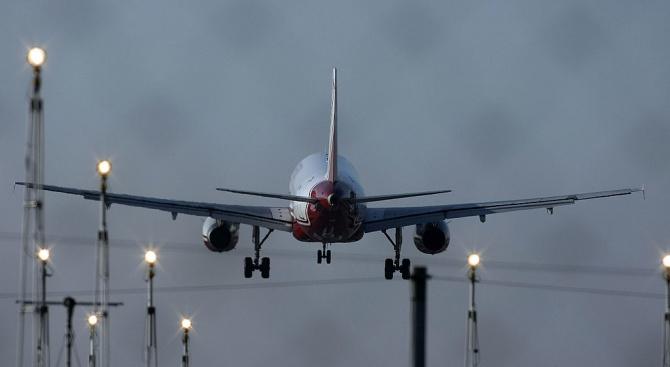 Самолет кацна аварийно на Летище София