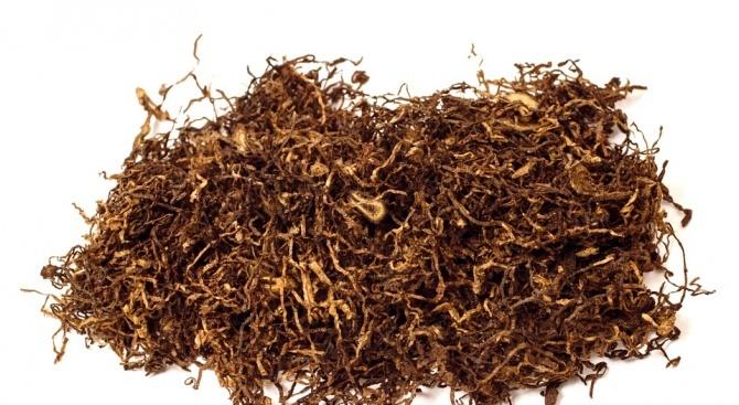 Спипаха над 3000 кг тютюн без бандерол и саморъчно направени цигари