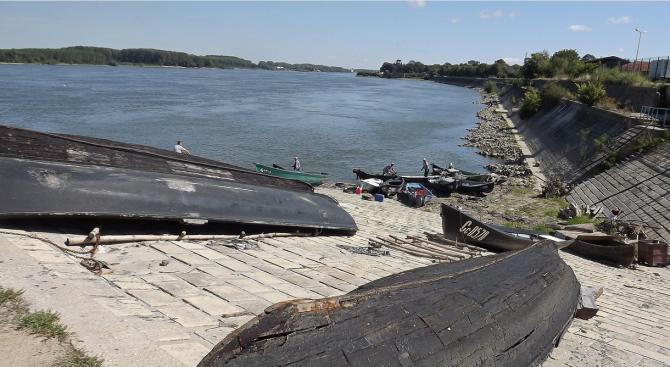 Удавилият се в Дунав 16-годишен Боян показал на майка си клип как скача в реката
