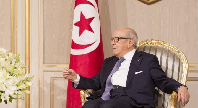 Президентът на Тунис е бил хоспитализиран по спешност