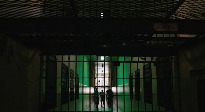 """Пуснаха """"лекар"""" - убиец от френски затвор"""