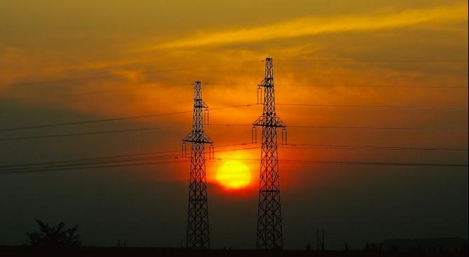 ЧЕЗ засича извънредно електромерите заради скока на тока