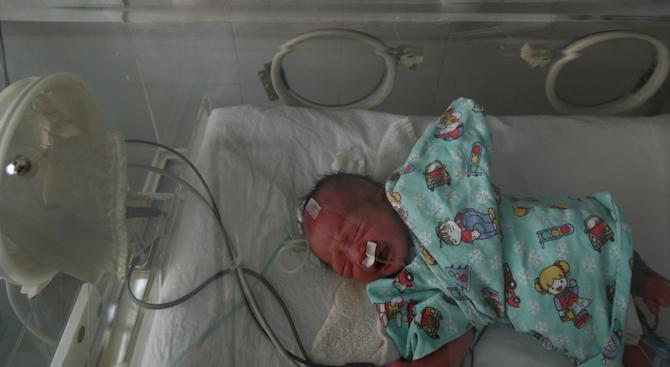 """Болницата в Харманли получи кувьоз от кампанията """"Капачки за бъдеще"""""""