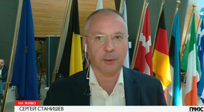 Станишев: Единственият доволен в момента е Виктор Орбан