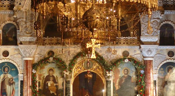 Църквата почита Св. Андрей, архиепископ Критски
