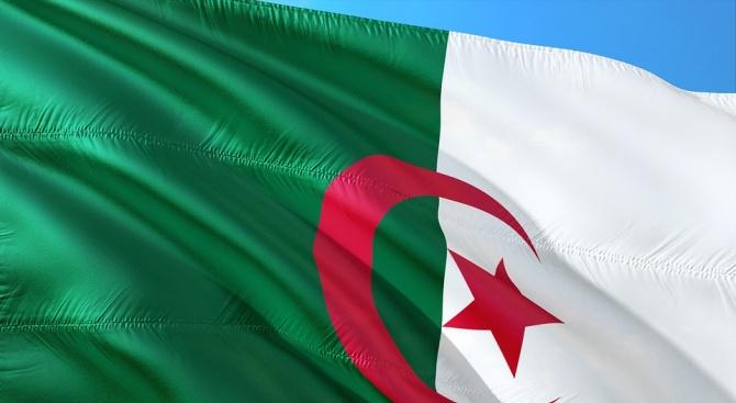 Пореден масов протест в Алжир срещу управляващите