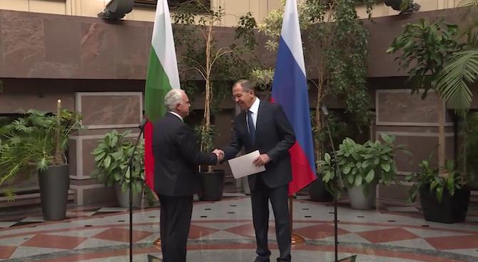 Лавров откри в Москва изложба, посветена на българо-руските дипломатически отношения