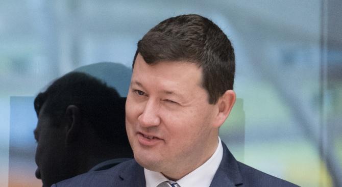 Запазват поста на скандалният генерален секретар на ЕК Мартин Зелмайер?
