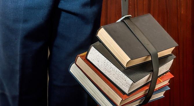 УНСС запълни всички места за прием на студенти от първото си класиране