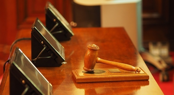 Прокуратурата поиска постоянен арест за рецидивист, откраднал златен синджир