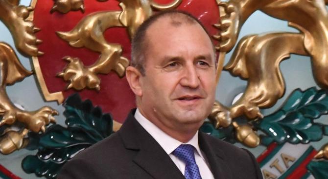 Румен Радев ще удостои с държавни отличия дейци на културата и изкуството