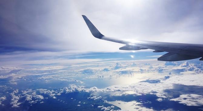 Франция въвежда еко такса за самолетните полети