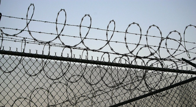 Доживотен затворза иракчанин за убийство и изнасилване на14-годишна в Германия