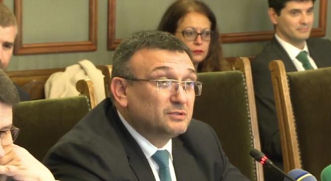 Младен Маринов: Извънредният труд, полаган от служителите на МВР, трябва да бъде сведен до минимум