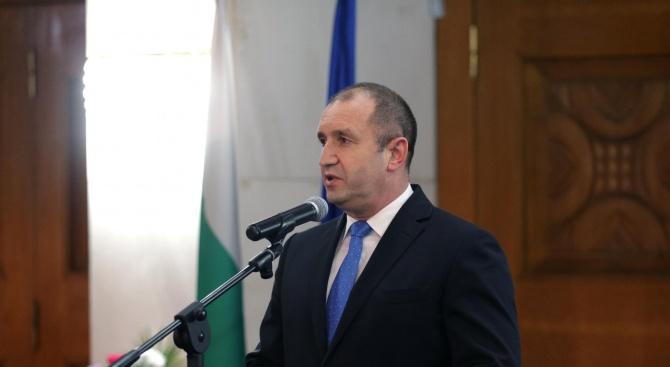 Румен Радев: Премахването на машинното гласуване е удар по българите зад граница