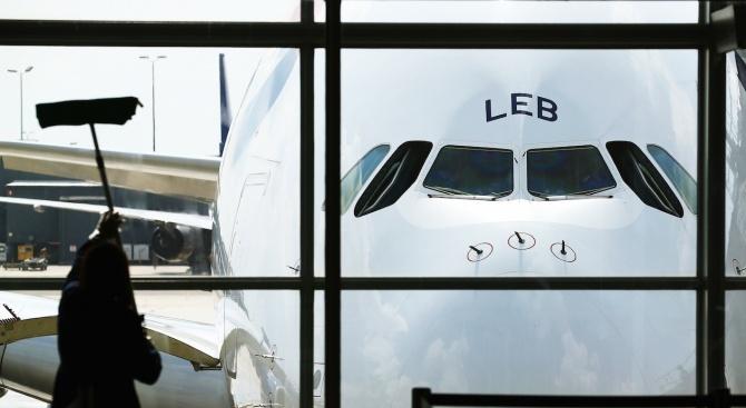 Боинг 737-400 на чешка авиокомпания кацна аварийно в Будапеща след излитане