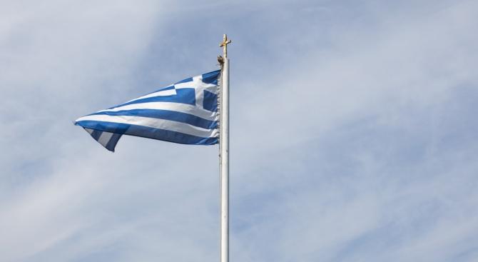 """""""Гръцкият културен министър"""" нападна Лондон в Twitter"""