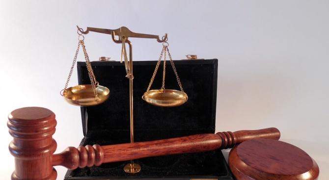6 месеца пробация и глоба за шофьор, опитал да подкупи полицаи в Хасково