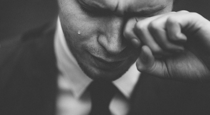 Прокурор се разплака по време на дело, в което осъдиха мъж на 6 века затвор