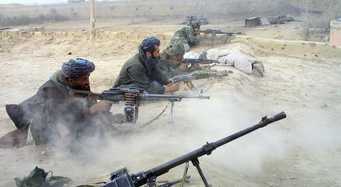 Талибани нападнаха хотел в провинциална столица в Афганистан, има убити и ранени