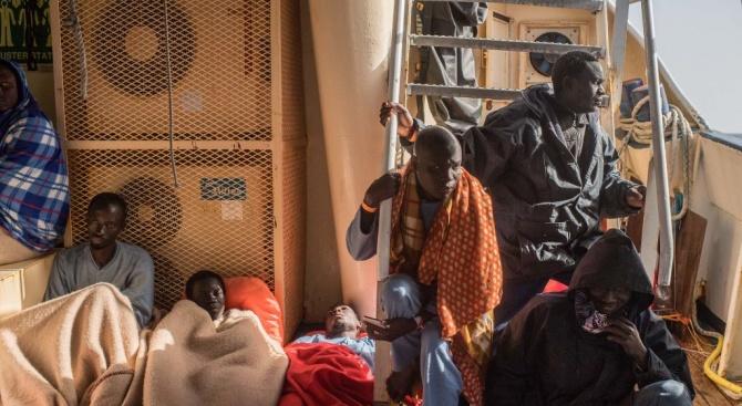 Германия и Австрия се сблъскахапо въпроса как Европада реши мигрантската криза