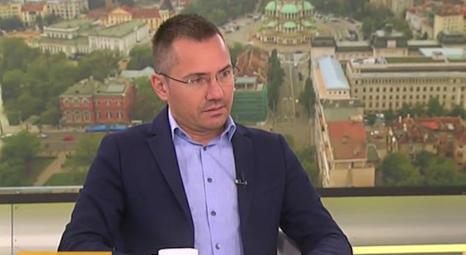 Ангел Джамбазки: Спазариха новия шеф на ЕК като на битака