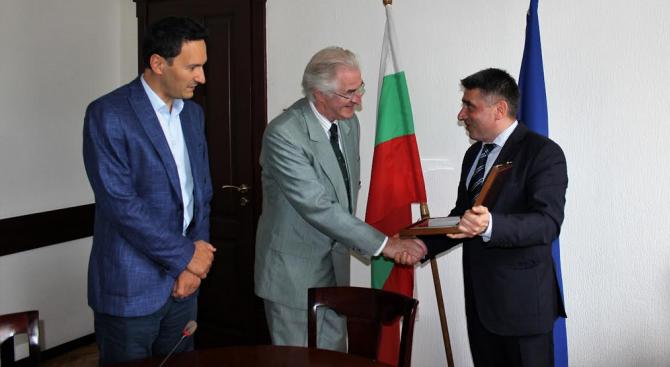 Министър Данаил Кирилов се срещна с д-р Хелмут Палдер