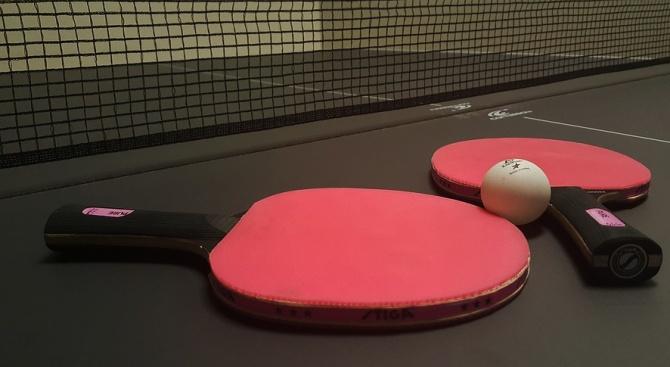 Нови маси за тенис са монтирани в градския парк в Радомир