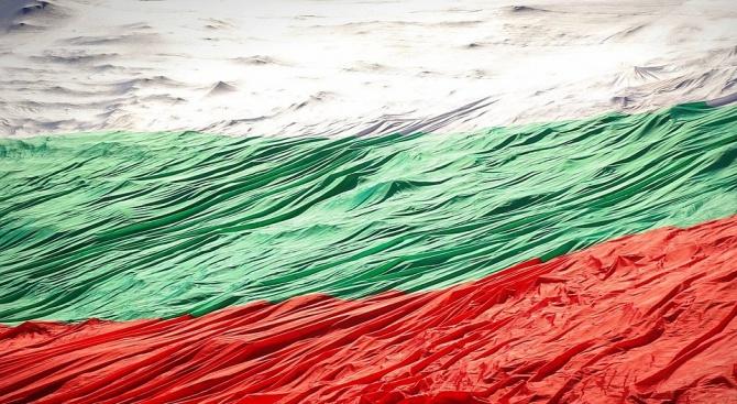 Българско знаме с рекордни размери ще бъде разпънато на събора на Рожен