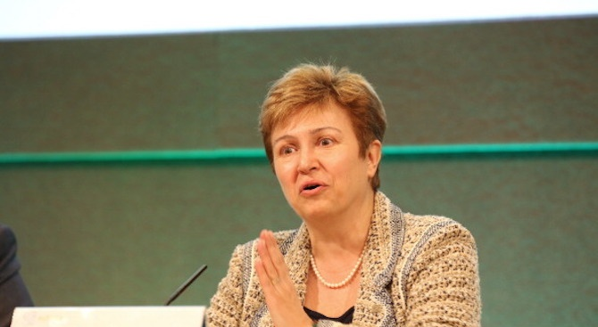 Кристалина Георгиева оглавява МВФ след оставката на Кристин Лагард?