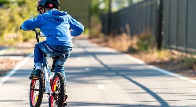 Шофьор блъсна 7-годишно дете с велосипед в Русе