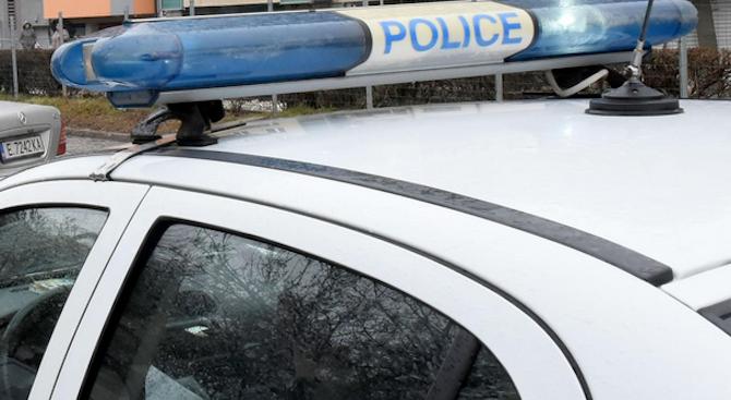 Арест и глоба за мъж, заплашвал полицаи