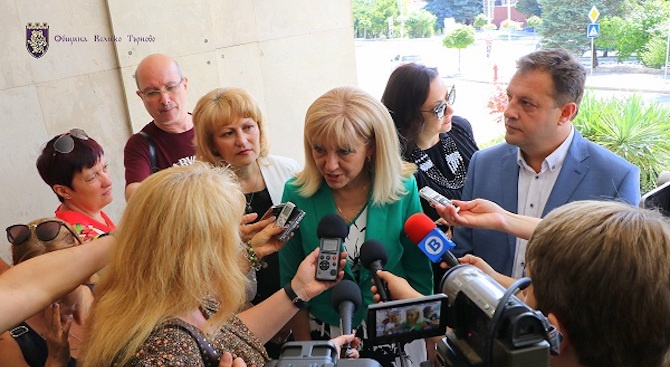 Цялостно решение за ново трасе на Присовските завои и южния вход на Велико Търново ще търси МРРБ