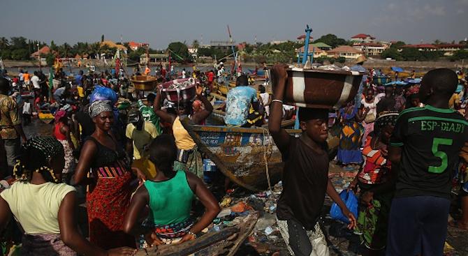 Ебола е взела 1700 жертви за година