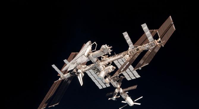 Трима астронавти излетяха за МКС на 50-ата годишнина от кацането на Луната
