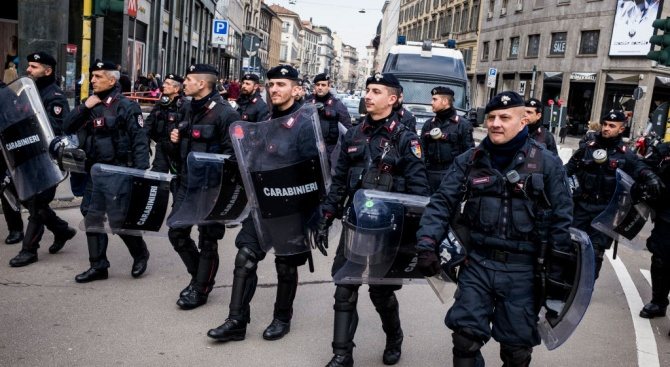 Като на филм: Задържаха българи след преследване с хеликоптер в Италия