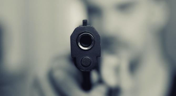 Задържаха 27-годишен мъж за отправяне на закани с газов пистолет
