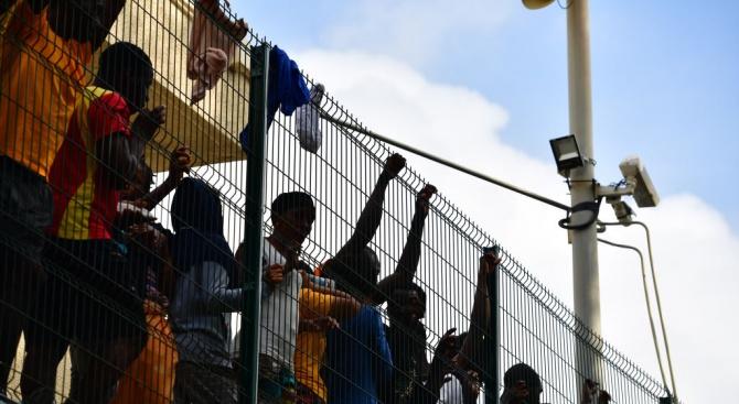 България отпуска хуманитарна помощ от 200 000 евро за справяне с миграцията