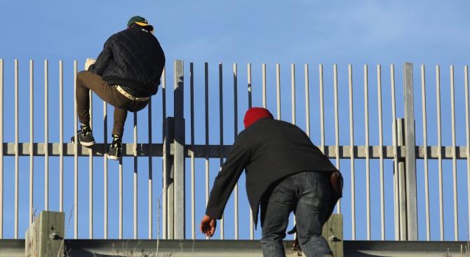 Турция към ЕС: Ще ви залеем с имигранти