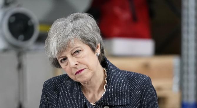 Тереза Мей на последния си парламентарен контрол: Борис Джонсън да си пази гърба