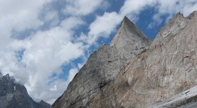 """Български алпинисти ще проправят нов маршрут към красивия връх """"Nayser Brakk"""" в Пакистан"""
