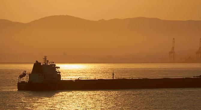 Индия получи достъп до задържани от Иран моряци, плавали на британски танкер