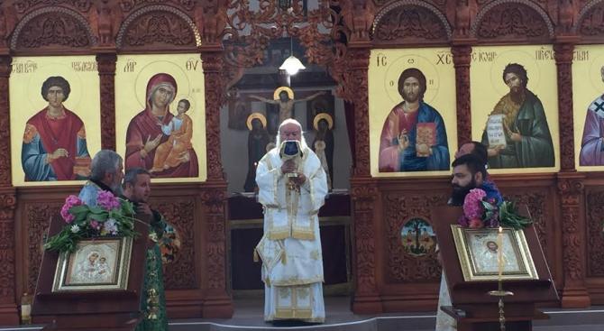 """Жители и гости на село Рибарица се събраха на храмовия празник в църквата ,,Св. Пантелеймон"""""""