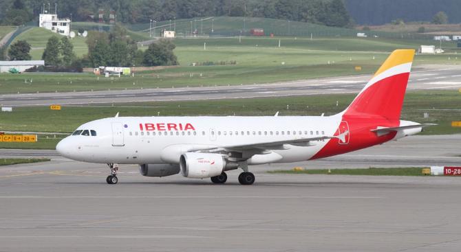 Над 70 отменени полета на летището в Барселона заради стачка